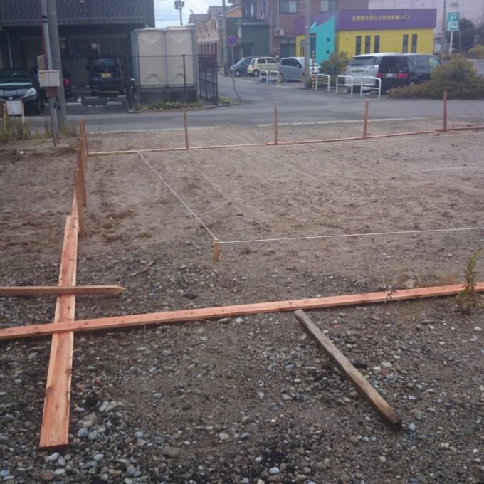 新築店舗、基礎工事再開